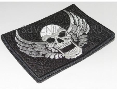 Купить обложку на паспорт Крылатый череп